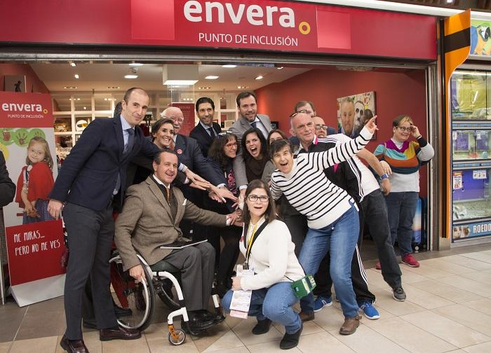 Envera y Carmila inauguran el tercer Punto de Inclusión en Carrefour Parquesol Valladolid