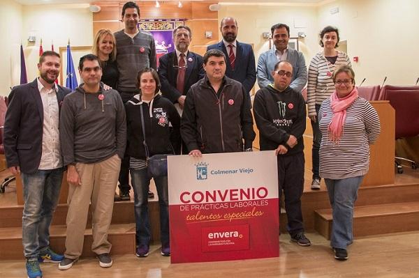 El Ayuntamiento de Colmenar Viejo y Envera firman un convenio para la realización de prácticas laborales