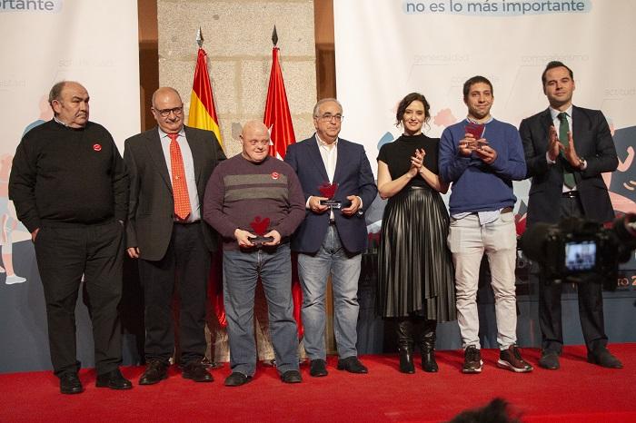 Amadeo Meler, director de Deportes de Envera, reconocido por sus 30 años de dedicación al deporte inclusivo