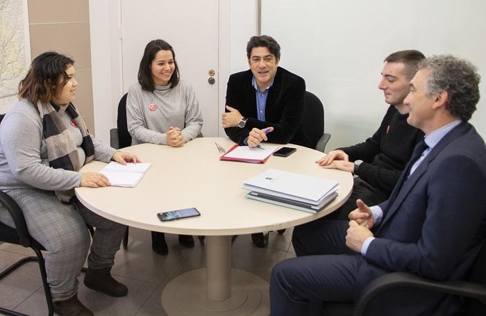 Tres alumnos con discapacidad de Envera inician sus prácticas laborales en la Consejería de Vivienda y Administración Local de la Comunidad de Madrid