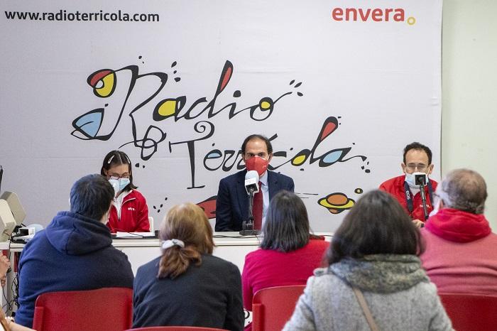 Radio Terrícola inicia sus emisiones desde Madrid con una entrevista al presidente de Iberia