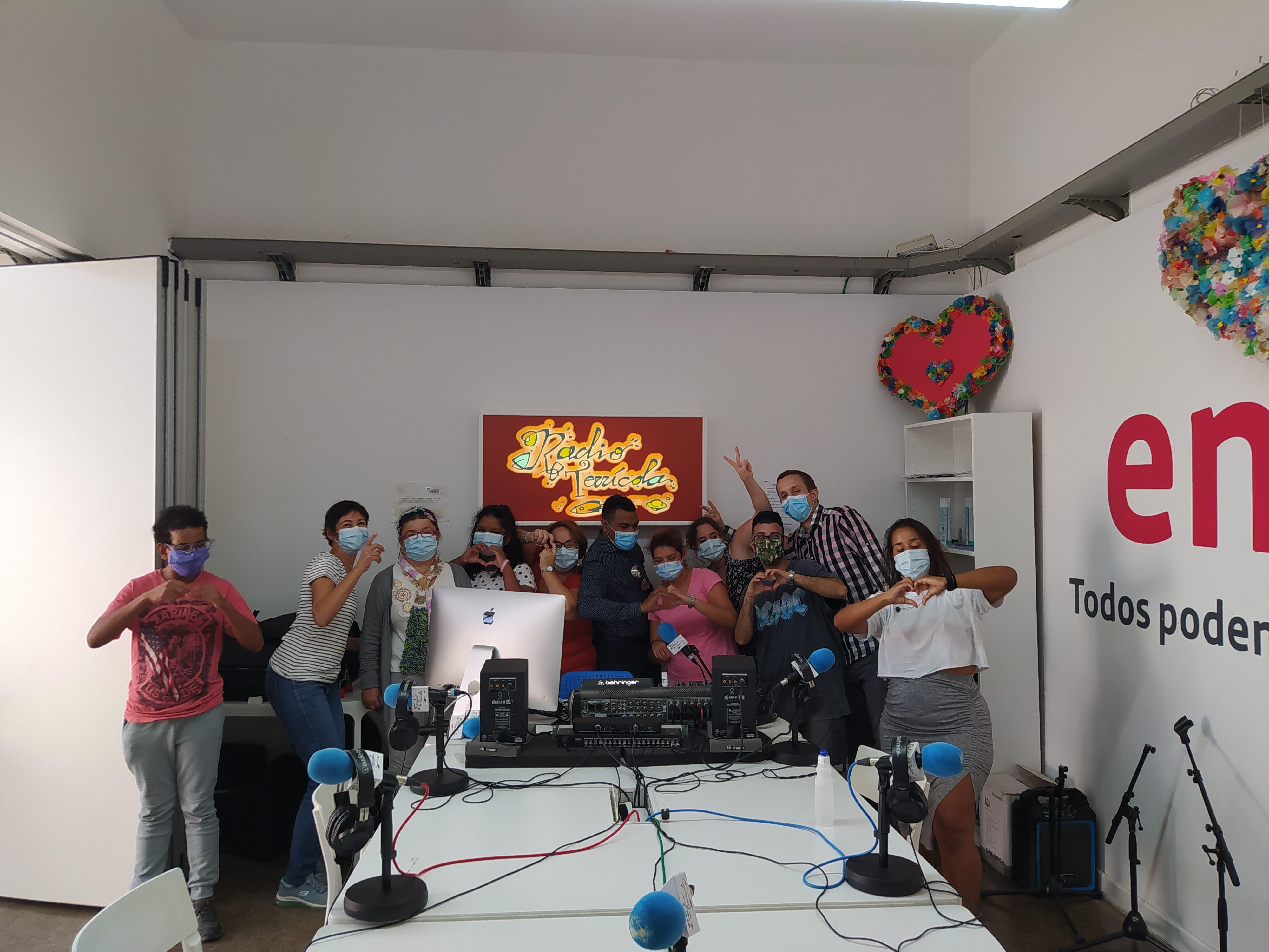 El artista Romy Rick visita nuestro estudio de Radio Terrícola